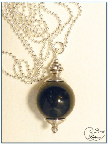 collier fantaisie finition argenté perle onyx 18 mm