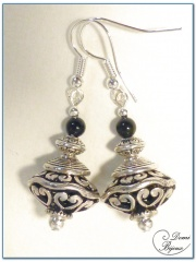 fashion earrigs silver finish filigree oval pearl 16mm and onyx