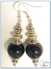 Fashion earrings silver finish onyx pearls 16 mm