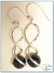 Silver Earrings Onyx Pearl 12mm double spirale frame