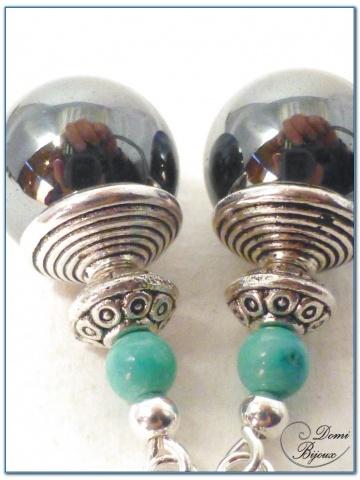 boucle d'oreille fantaisie  finition argenté perles hématite et perles verre turquoise