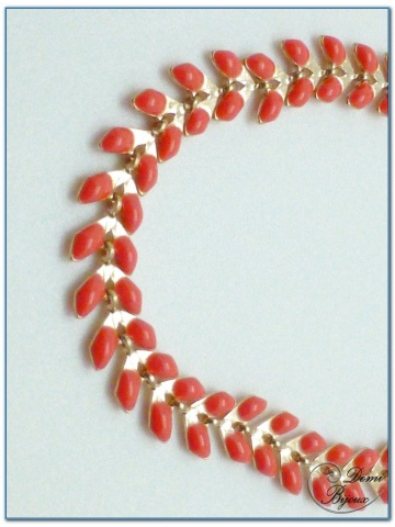 bracelet fantaisie finition doré motif épis émail corail