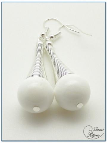 boucles d'oreilles fantaisie finition argenté cône spirale perles benitier 14mm