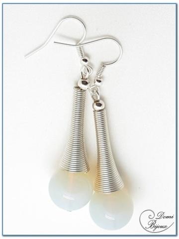 Boucle Oreille fantaisie argentée perles pierre de lune 14mm monture ressort cône